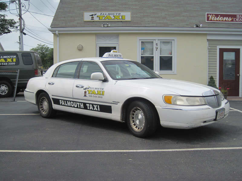 Falmouth Taxi luxury sedan town car